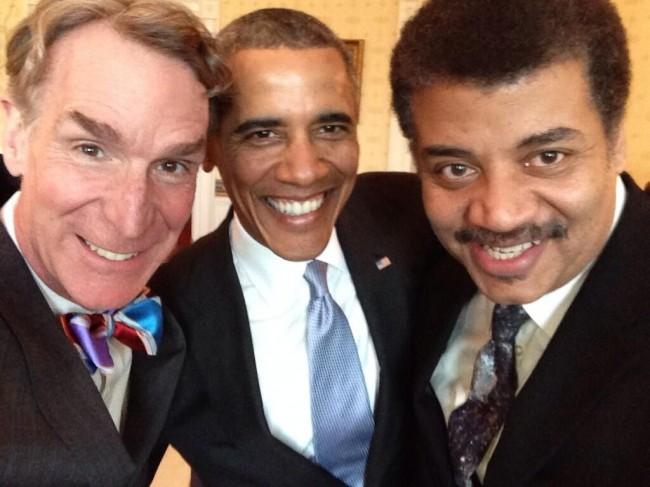Neil-deGrasse-Tyson-and-Obama-on-Cosmos-Sunday-650x487