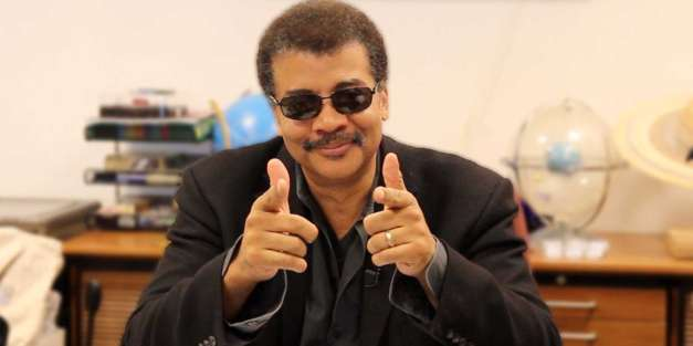Neil deGrasse Tyson Speaks, Kicks Over Mic