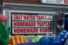 taffy-turtles-fudge sign