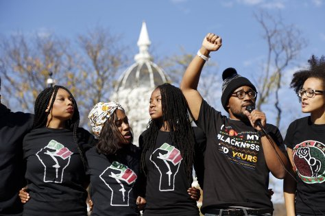 ct-mizzou-yale-campus-racism-20151112