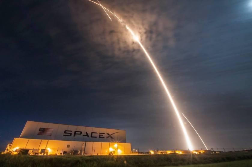 SpaceX1.jpg